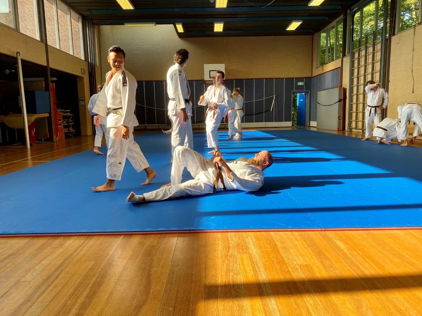 Bekijk hoe jiu-jitsuka's van Budosport Neuhaus trainen